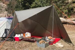 ソロキャンプタープ張り方